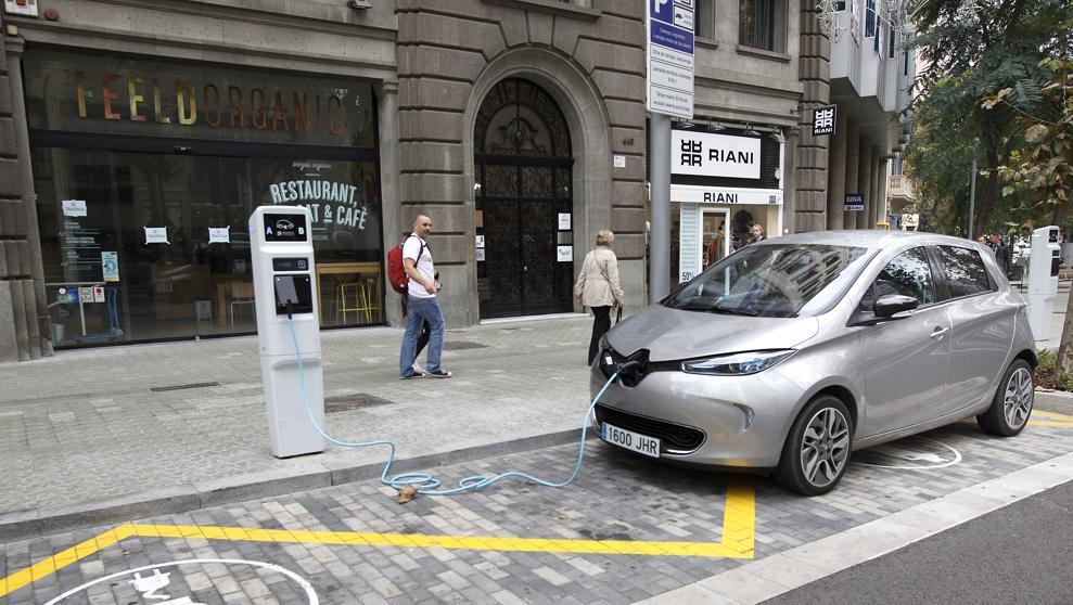 recargar coches eléctricos